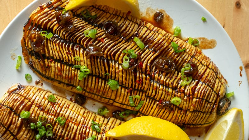 Illustration for article titled This Miso-Glazed Hasselback Delicata Squash is A Real Stunner