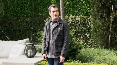 A disappointing finale sees Modern Family vaguely embracing