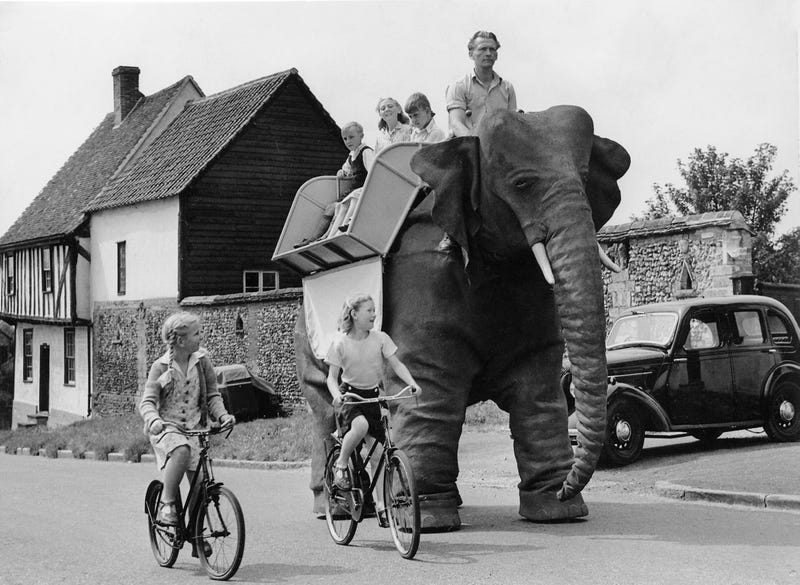Illustration for article titled Everyone Should Get to Travel in a Giant Mechanical Elephant Like This