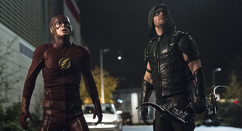 Illustration for article titled The New Flash/Arrow Crossover Is a Crisis of Infinite Fun