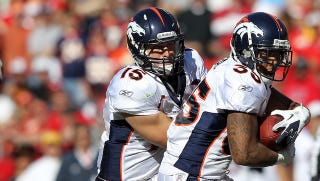 Illustration for article titled Is Tim Tebow's Afraid-To-Throw Broncos Offense Crazy Enough To Work?