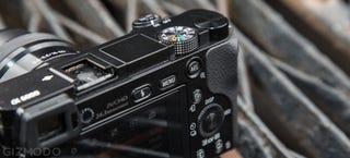 Illustration for article titled Saca fotos guiñando el ojocon tu cámara Sonygracias a estanueva app