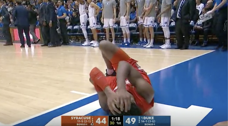 Illustration for article titled Syracuse's Concussion Protocol Seems, Uhh, Inadequate?