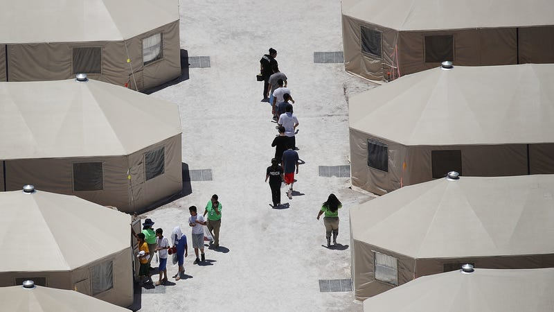 Illustration for article titled Trump Administration Sending More Migrant Children to 'Inhumane' Tent City in Texas