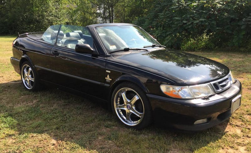 Illustration for article titled For $2,200, Would You Buy This Friggin' 2001 Saab 9-3 Viggen?