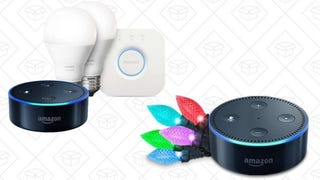 Echo Dot + Luces de decoración navideñas | $50 | AmazonEcho Dot + Pack de inicio Philips Hue con luces blancas | $80 | Amazon