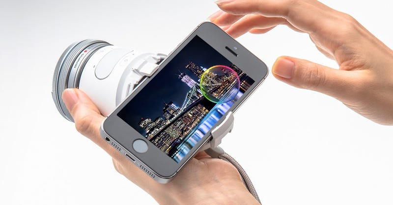Illustration for article titled Olympus Air A01 Turns Your Phone Into a Lens-Swapping 16 MP Shooter
