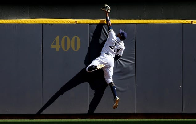 Keon Broxton Saved The Game With This Catch