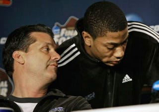 Illustration for article titled Derrick Rose and John Calipari Are Paying Back Memphis Fans For That Title Game They Cheated Their Way Into