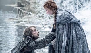 Illustration for article titled Sansa and Theon Brave Harsh Conditions in New Game of Thrones Clip