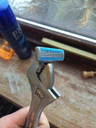 Illustration for article titled How mechanics shave