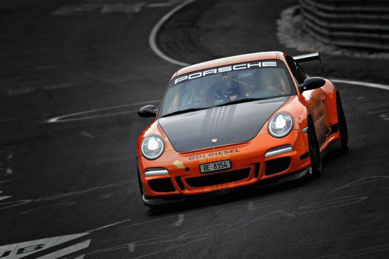 Illustration for article titled Your ridiculously cool Porsche 911 GT3 RS wallpaper is here
