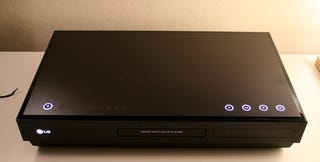 Illustration for article titled First Review: LG BH100 Hybrid Blu-Ray/HD-DVD Player (Verdict: Format War Still Blazing)