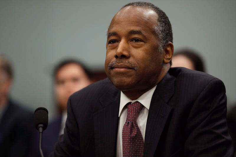 Illustration for article titled Ben Carson Takes Another Jab at Baltimore, Assumes 'Young Men Sitting on Porches' Are Unemployed
