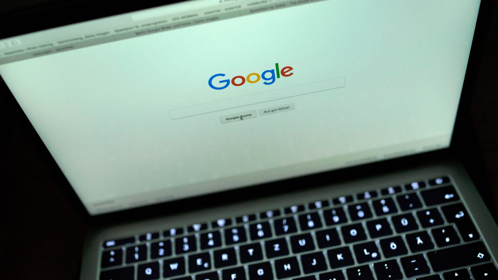 Google Fixed Its Algorithm So That Lesbian-Related Searches Are Less Pornographic