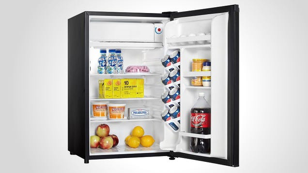What to Look for When Picking Out a Mini-Fridge for Your Dorm Room