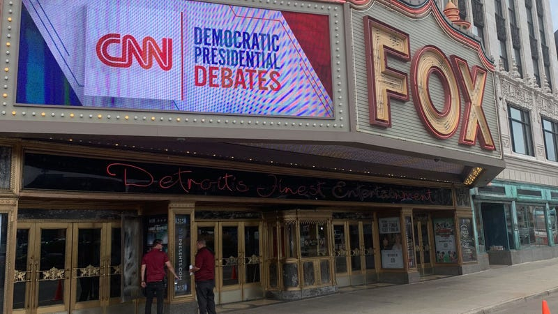 Illustration for article titled Dems Descend on Detroit for Round 2 of Presidential Debates