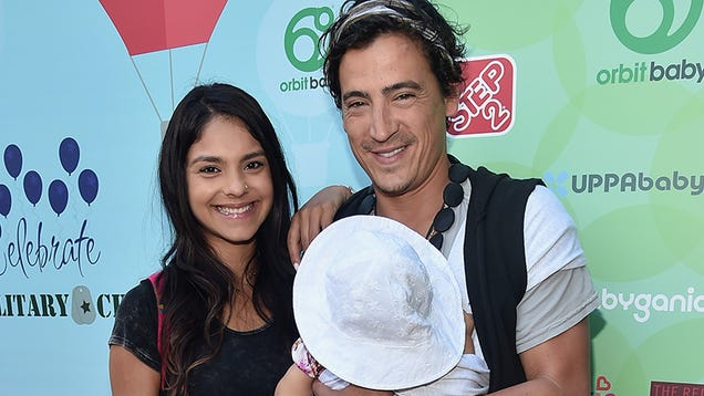Andrew Keegan s Cult Is Going Broke, But You Can Buy Crystals to Help