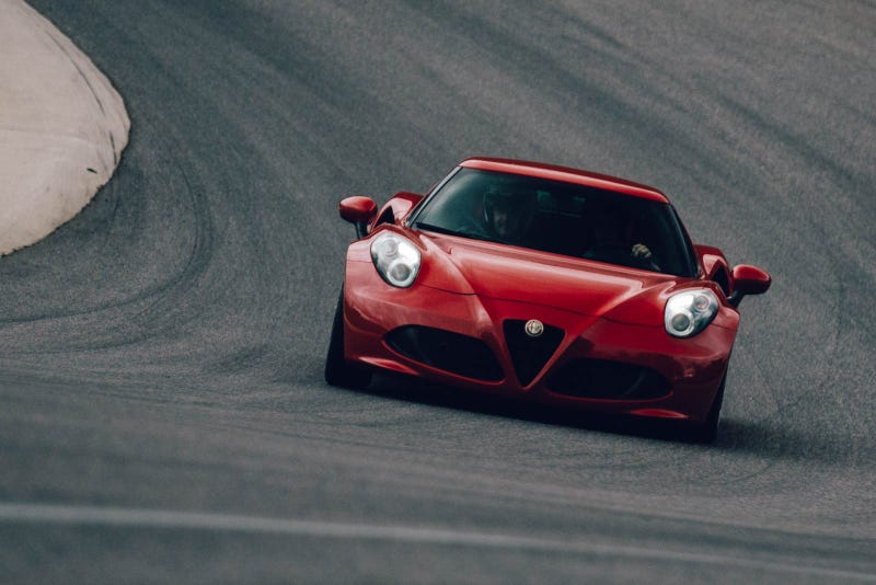 Illustration for article titled What It's Like To Drive An Alfa 4C On A Racetrack