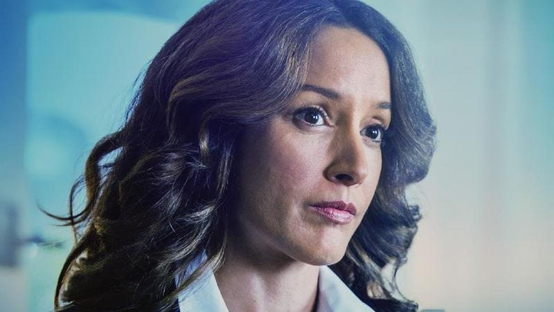 Illustration for article titled Jennifer Beals on life after death, loving Campbell Scott, and The L Word