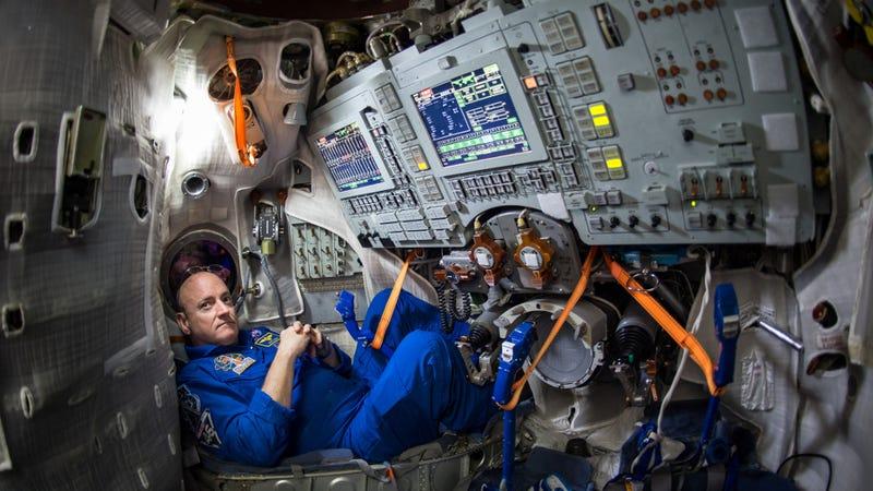 NASA astronaut Scott Kelly  inside a Soyuz simulator at the Gagarin Cosmonaut Training Center in 2015. (Image: NASA/Bill Ingalls)