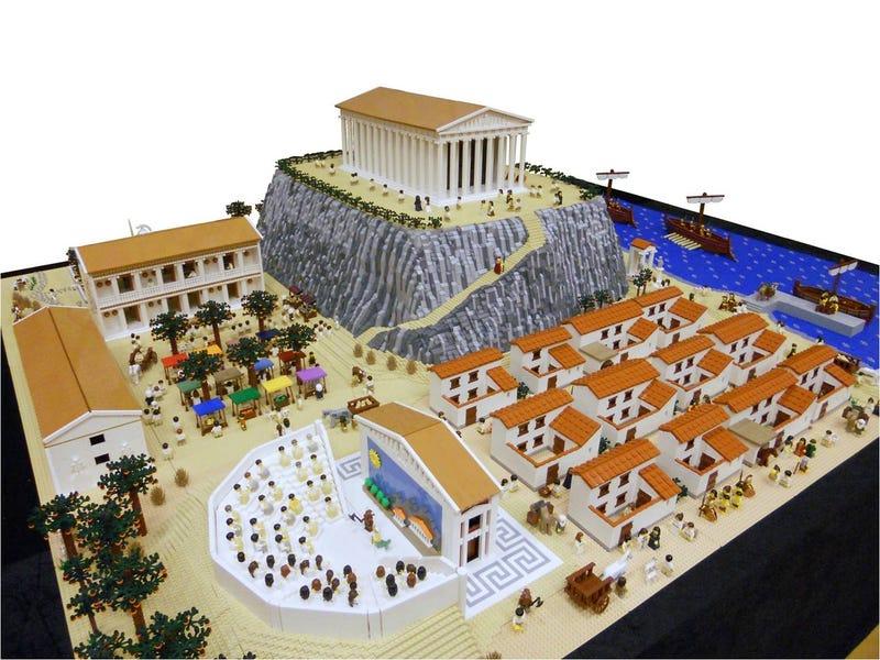 Illustration for article titled Gigantic 7.5 x 9-foot Greek Legopolis took 10 months to build