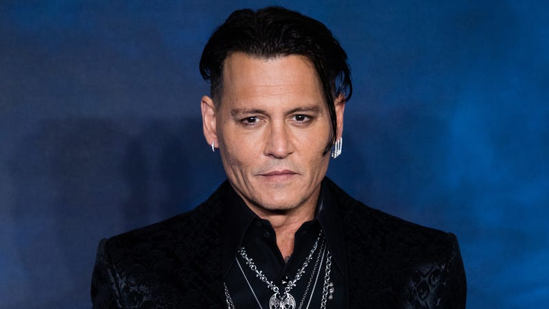 Illustration for article titled Johnny Depp now suing Amber Heard for defamation over abuse claims