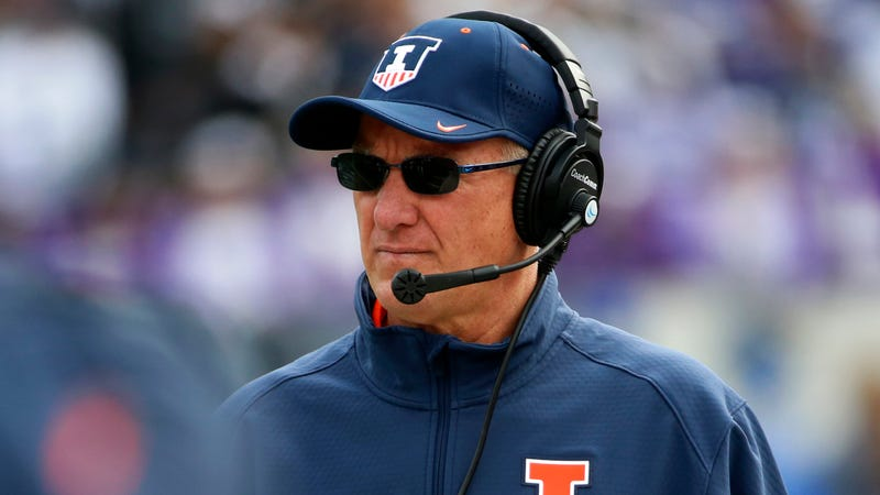 "Illustration for article titled Illinois AD On Coach He Just Rehired: ""It's Not Ideal"""
