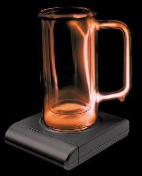 Illustration for article titled Plasma Beer Mugs Lights Up That Brew