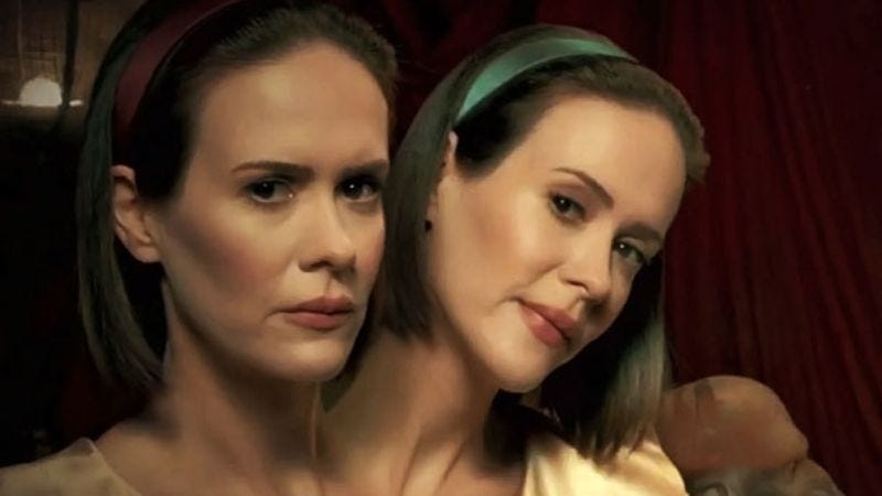 Illustration for article titled Here's how they create American Horror Story's conjoined twins effect