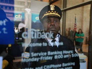 Security guard at Citibank (Scott Olson/Getty Images)