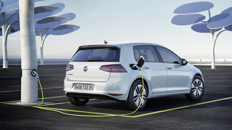 Illustration for article titled The 2015 VW e-Golf Is The Most Electric Golf Ever To Come To The U.S.