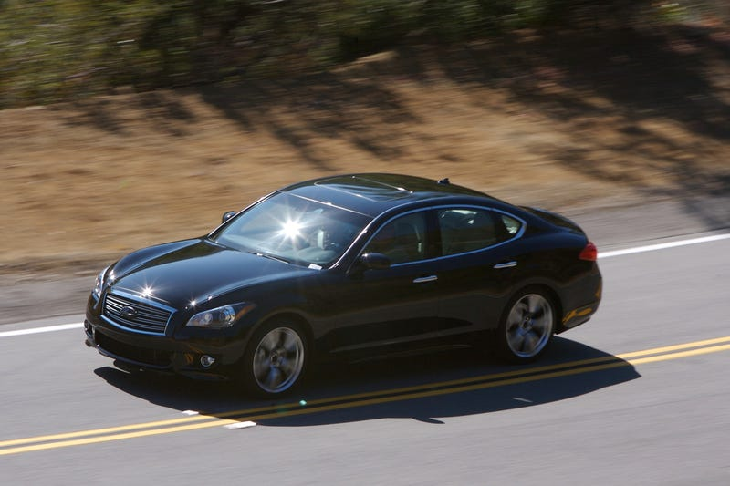 Illustration for article titled 2011 Infiniti G37 On The Street