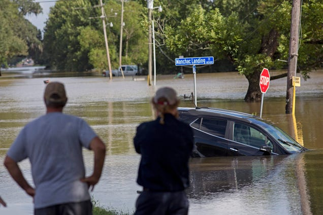 13 Dead in Louisiana as Some Return to Flooded Homes