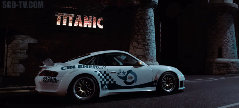 Illustration for article titled Full-Bore Race Cars Are Even More Gorgeous At Night