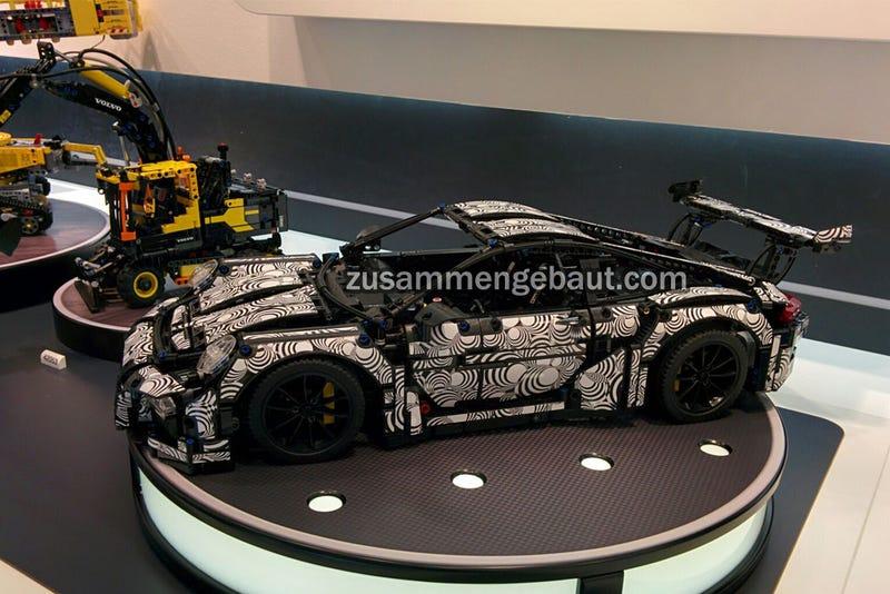Illustration for article titled Porsche Lego