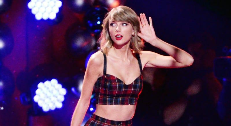 Taylor Swift durante un concierto. AP