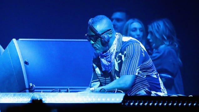 Idris Elba's Coachella DJ set was better than his Netflix DJ show