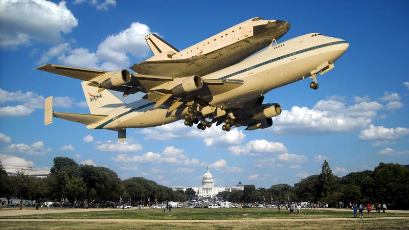 Illustration for article titled The Space Shuttle Will Amaze And Terrify Washington DC With Low Flyover