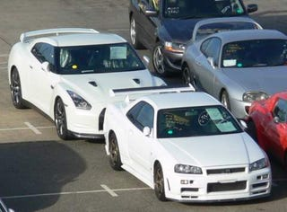 Illustration for article titled Nissan GT-R R35 is Huge Compared To R34