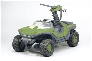 Illustration for article titled See Halo: Reach's Final Toy Warthog, Ghost (Figures Sold Separately)