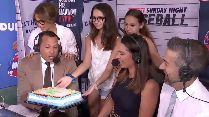 Illustration for article titled Jennifer Lopez Surprised Alex Rodriguez With A Birthday Cake, But He Didn't Eat It