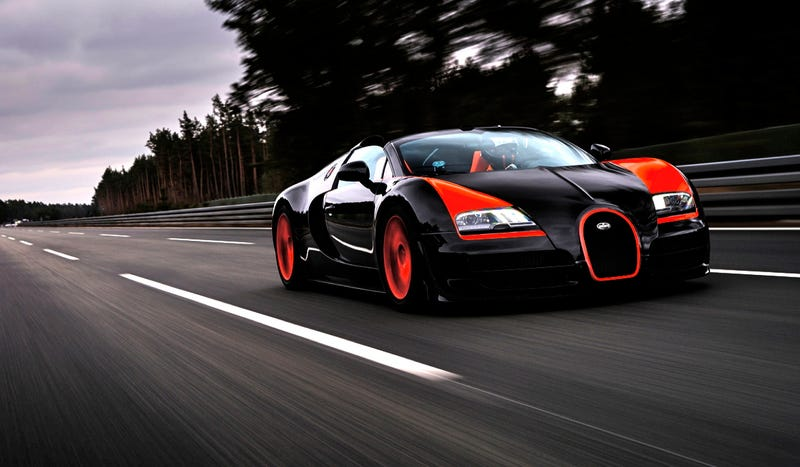 Illustration for article titled The Bugatti Veyron Grand Sport Vitesse Is The Fastest Convertible In The World