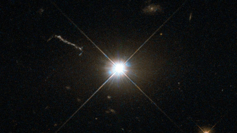 A distant quasar (Image: Hubble/ESA/Flickr)
