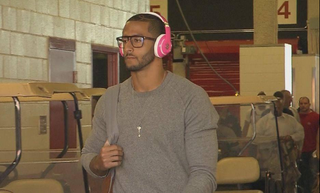 Illustration for article titled NFL Fines Colin Kaepernick For Wearing The Wrong Brand Of Headphones