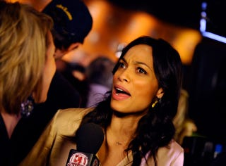 Illustration for article titled Rosario Dawson Refuses To Answer The Question