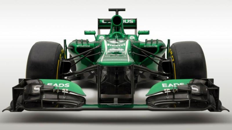 Illustration for article titled These Two F1 Cars Will Bring Up The Back Of The Grid