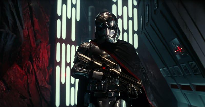 Illustration for article titled Liveblogging Star Wars: The Force AwakensPanel at Comic-Con 2015!