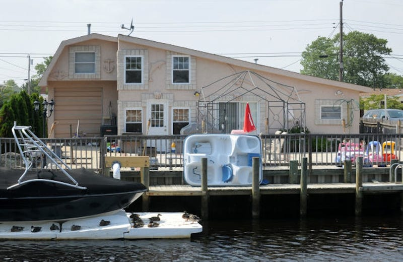 Wow Okay So I M Really Trying To Hold It Together Right Now But Just Heard That No One Bid On Teresa And Joe Giudice S Amazing Jersey Beach House