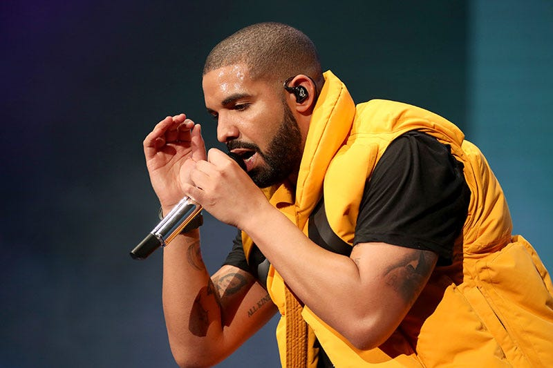 Illustration for article titled Over 600,000 People Have Tuned In To Watch Drake And Ninja Play Fortnite, Smashing Twitch's Record [UPDATE]